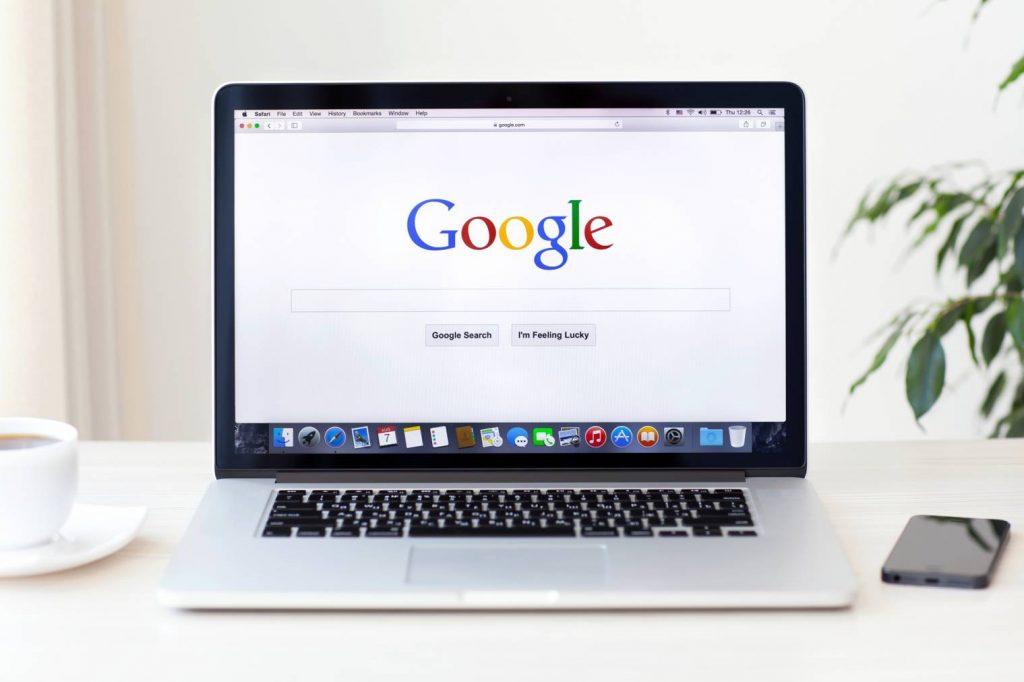 SEO : comment Google interprète le contenu caché